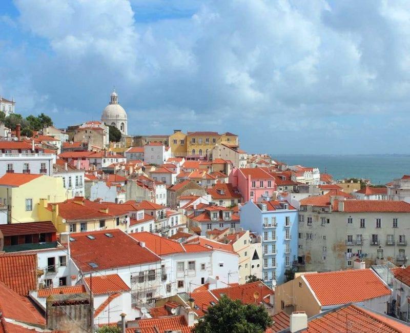 Utsikt över Lissabon och Alfama
