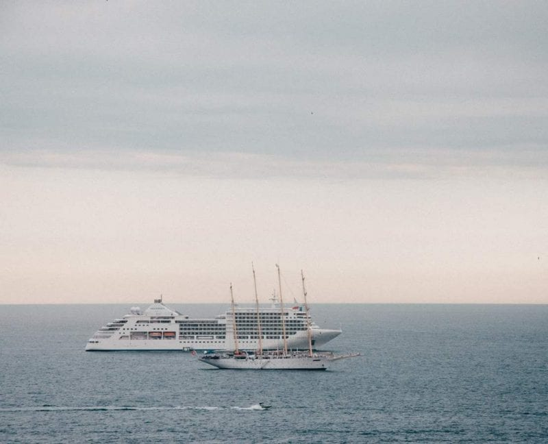 Båttrafik utanför Nice